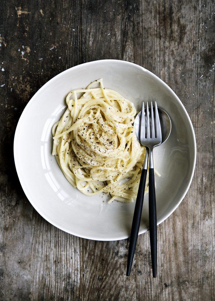 Enkel pastarett med tre ingredienser
